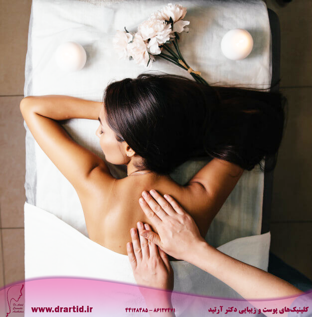 beautiful asian woman s body back pink nail gray background 88340 2209 - ماساژ
