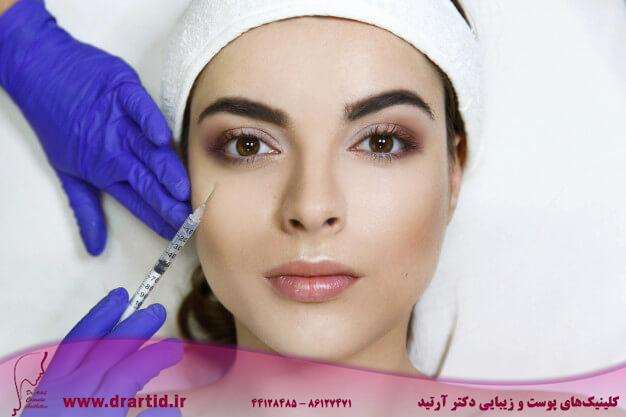 cosmetologist makes beauty injection woman s face clinic 8353 5671 - تزریق - ژل (فیلر)