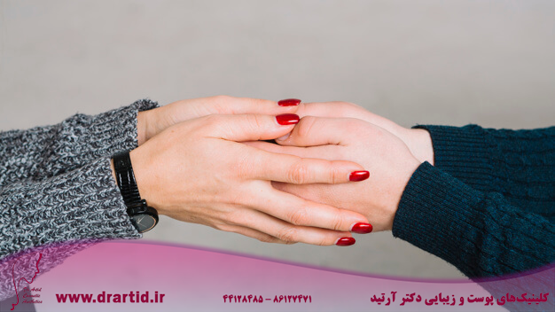 cropped image female psychologist holding her client s hands against gray backdrop 23 2148036684 - مشاوره روانشناسی