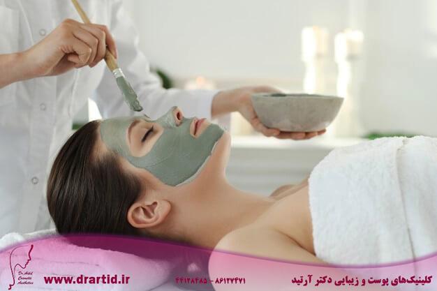woman receiving beauty treatment skin care 144627 42441 - مراقبت پوستی