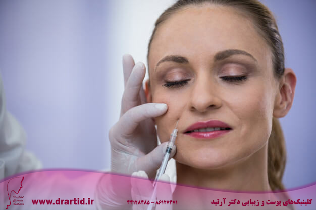 woman receiving botox injection 107420 74109 - تزریق - ژل (فیلر)