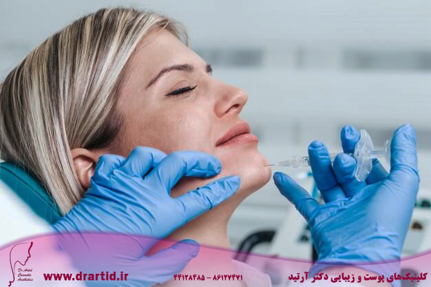 attractive young woman is getting rejuvenating facial injections expert beautician is filling female wrinkles by hyaluronic acid 473712 14 - پروفایلو و مزایا و تاثیرات شگفت انگیز آن